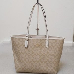 😍 Authentic Coach Reversible Tote Bag 👜